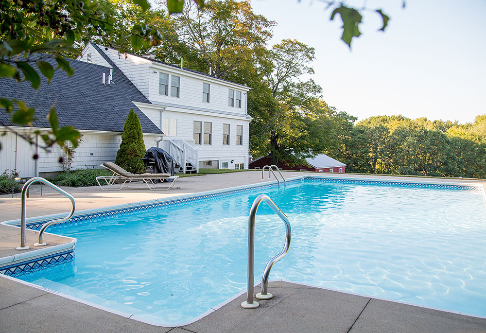 Wilson House: A guest house at Pineland Farms with pool.
